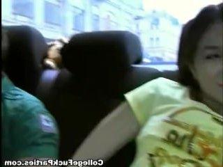 Казашка отсосала в машине парням и дала ебать себя раком