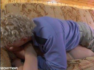Порнуха русская в колготках с молодой блондинкой и охранником