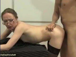 Секс с русской учительницей и молодым студентом