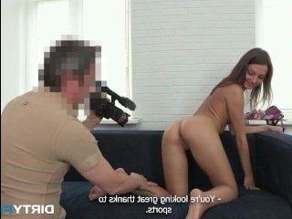 Порно кастинг: русская девушка согласилась на секс