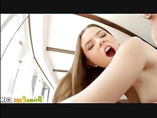 Наглец трахает грудастую девушку - порно-видео для наслаждения