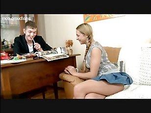 Отменный секс с русскими студентами в бритую пизду и узкую задницу