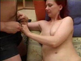 рыжая русская мамаша трахнулась с парнем