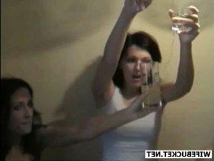 Вечеринка русских студентов завершилась дикой оргией