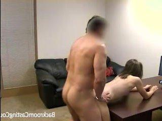 Русский кастинг: секс видео с молодой сучкой в главной роли