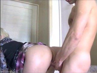 Секс со зрелой красивой блондинкой в парикмахерской