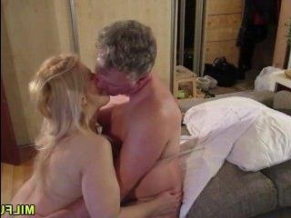 орал блондинки и ее ненасытного хуястого мужа