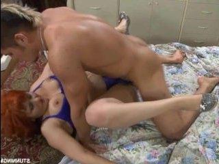 Секс с русской пожилой женщиной и молодым парнем