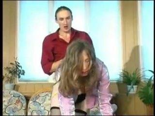 Зрелая дама устроила секс в чулках на работе со своим коллегой