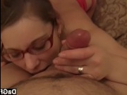Молодая с большими сиськами сосет член и получает сперму на грудь
