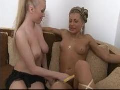 Русские блондинки показали, что такое жаркий секс